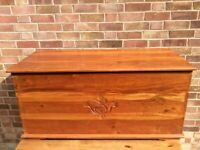 Large solid hardwood blanket storage box trunk coffee table chest ottoman toy box wood