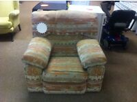 GOOD CONDITION! Living room very comfortable arm chair seat with patterned design