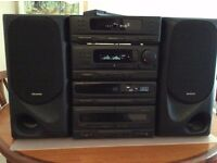 Kenwood Midi HiFi Stack System with twin 60 W Speakers and remote control.