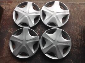 Set of Ford wheel trims