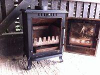 WOOD BURNER-SMALL 3-6KW-LITTLE USEAGE