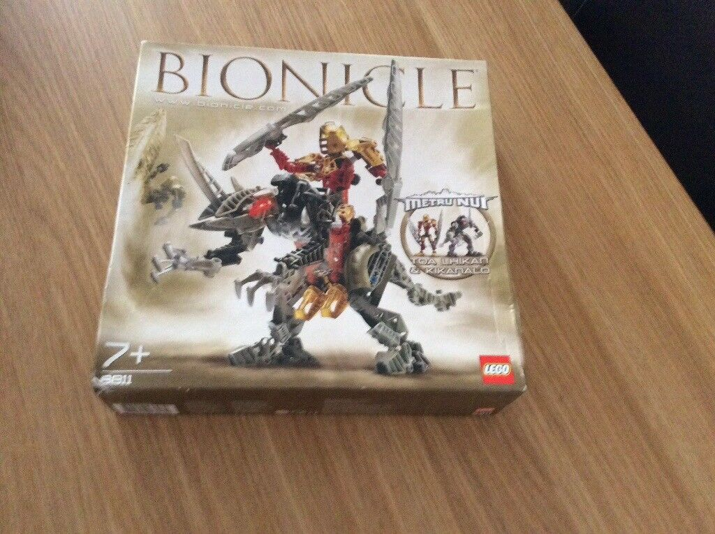 Bionicle Lego 8811 Toa Lhikan & Kikanalo