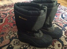 Columbia snow boots for a child