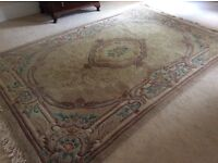 Very large Rug wool with fringe 9 foot x 6 foot