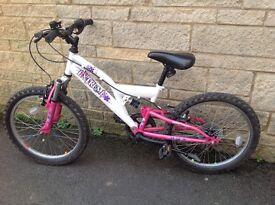 """Girls Raleigh extreme bike, 18"""" wheels"""