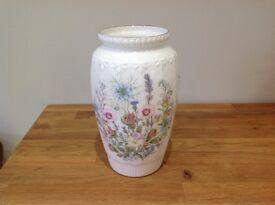 Aynsley china vase, Wild Tudor