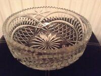 Beautiful Vintage Glass Fruit Bowl / Triffle Dish