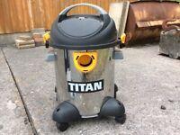 Titan wet/ dry vacuum