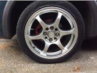 "Universal 15"" Alloy Wheels"