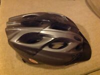 Bell Avanti cycle helmet as new, black and grey