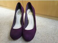 Shoes (House of Harlow) size 4