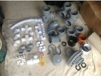 PLUMBING FITTINGS - Assortment of waste fittings.