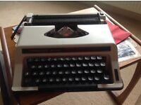 Type choice De Luxe vintage typewriter