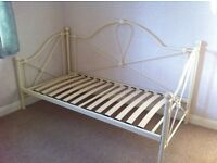 Ivory Metal Single Daybed-Style Bed Frame
