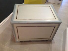 Storage box - shabby chic