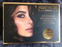 Make-me-up cosmetic kit