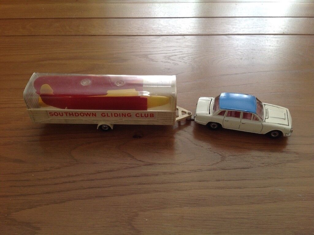 Dinky Triumph 2000 and glider with trailer.