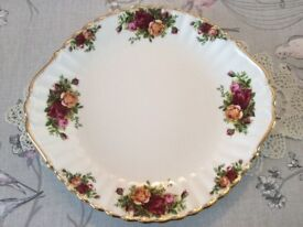 Royal Albert Bone China Cake Plate. 1st Quality Old Country Roses.