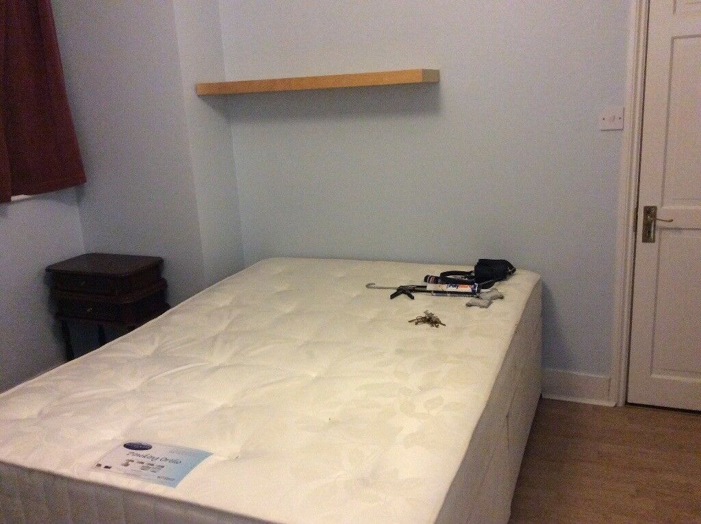 Double Ensuite room, Colindale, 2 minutes from tube, buses and amen. Inclusive of bills