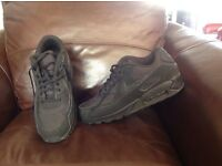 Nike Air Max black trainers size 11