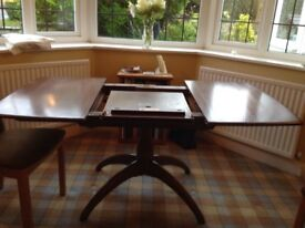 ERCOL WINDSOR EXTENDABLE PEDESTAL DINING TABLE