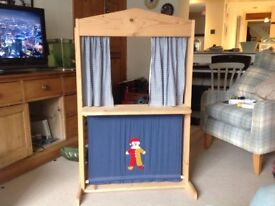 Wooden puppet Theatre for sale. Good condition, originally from M&S £10 collection only