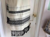 Italian wrap, 1930's. Embroidered very fine wool weave