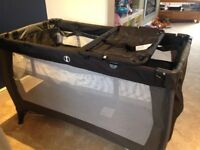 Large Travel Cot with Bassinet and Matteress
