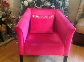 Pink Velvet Arm Chair and 2 Cushions