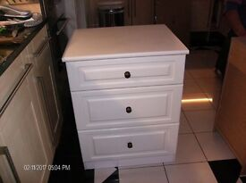 bed side cabenits 3 draw in satin white
