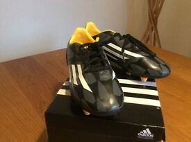 Adidas F10 Football Boots with studs / youth size 3
