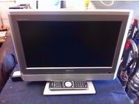 """TOSHIBA 20WLT56B 20"""" TV WITH REMOTE"""