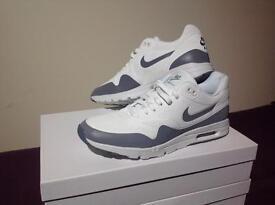 Nike Air Max 1 (Plus more items)
