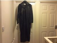 Matrix Style Maxi Length 5 Button Leather Coat in Excellent Condition (Says XXL, but more like XL)