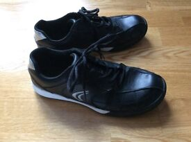 Clarks black leather boys trainers, size 5F (junior) excellent condition