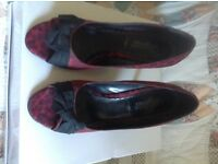 Woman's size 7 heeled Red/Black Leopard Pattern shoes , vgc