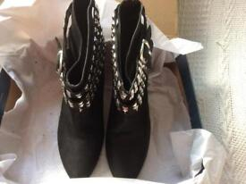 ZARA Ladies Brand New Black Leather Studded Boots UK size 6 (39)
