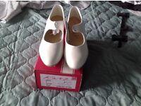 Katz Cuban heel tap shoe size 5