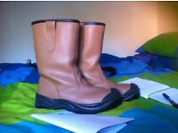 Steal toe cap site boots - Size 8
