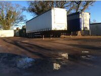 CF triaxle 13.6m curtain side trailer on drum brakes.