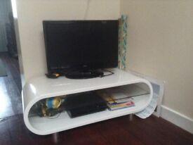 White gloss tv unit - like new