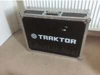 Traktor flight case , used but in good condition