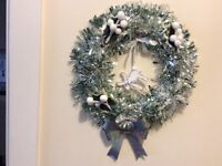 Christmas wreath in Silver/pale green 9inches