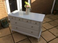 Beautiful Stag Chest of Drawers/Dresser