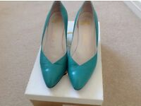 Gorgeous Vintage Gina of London Jade Kid Leather Court Shoes - size 4 1/2