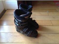 Ladies black nordica ski boots size uk4