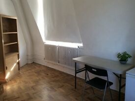 STUDIO/DESK for rent in very light studio 2 mins from Brixton tube