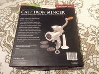 Cast Iron Mincer - Kitchen craft NEVER USED (Italian collection)