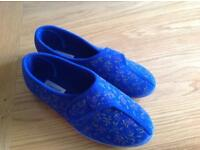 Slippers size 9