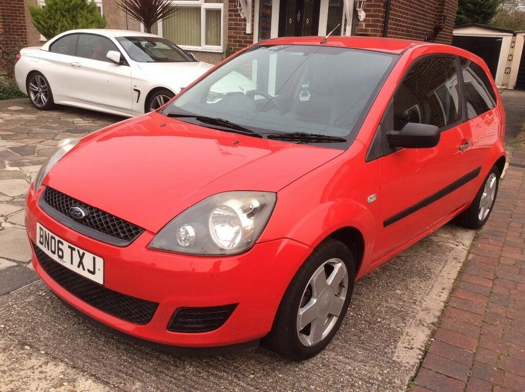 FORD FIESTA 1,2 STYLE 2006 RED POWER STEERING